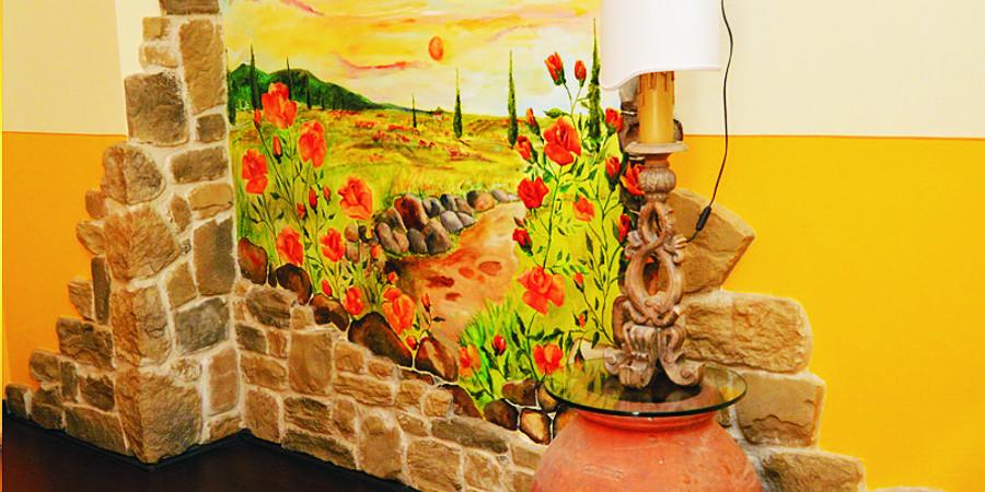 Campofiorito Agritourism - Rosa (Rose) Room - Decoration detail - Agriturismo Campo Fiorito - Via Dei Rocchi 190, 51015 - Monsummano Terme (PT) - Toscana - Italia